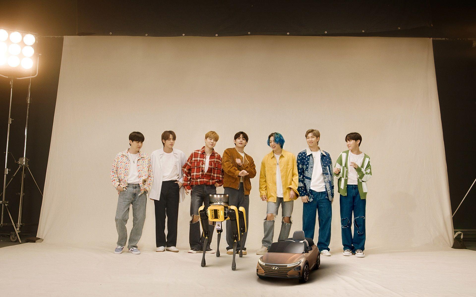 Роботы <i>Boston </i><i>Dynamics </i>исполнили танец с корейской группой <i>BTS</i>