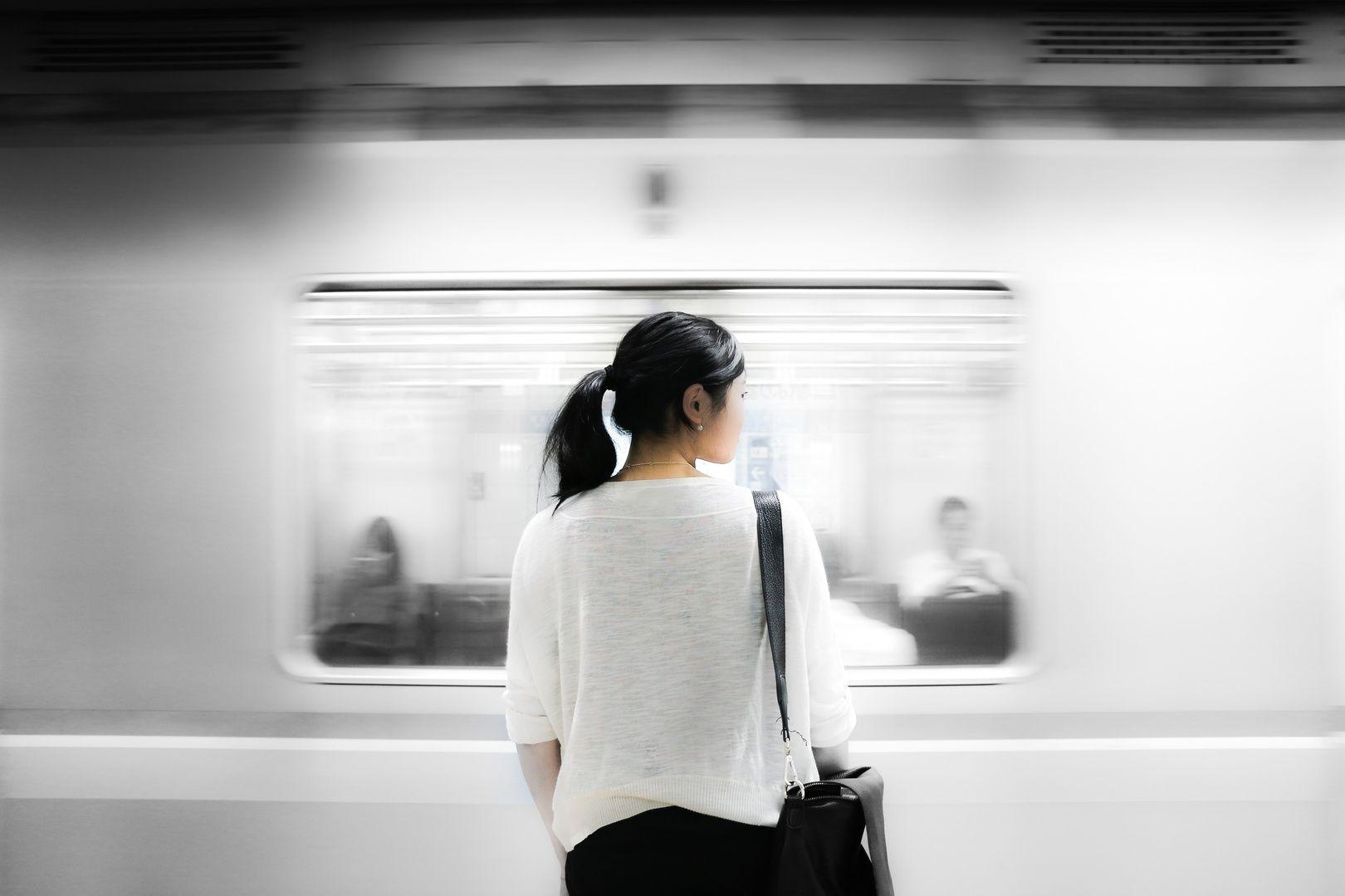 В Китае запустили самый быстрый поезд вмире