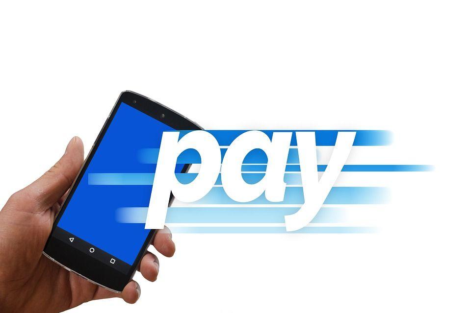 Минцифры хочет запретить платежи иностранным ИТ-компаниям