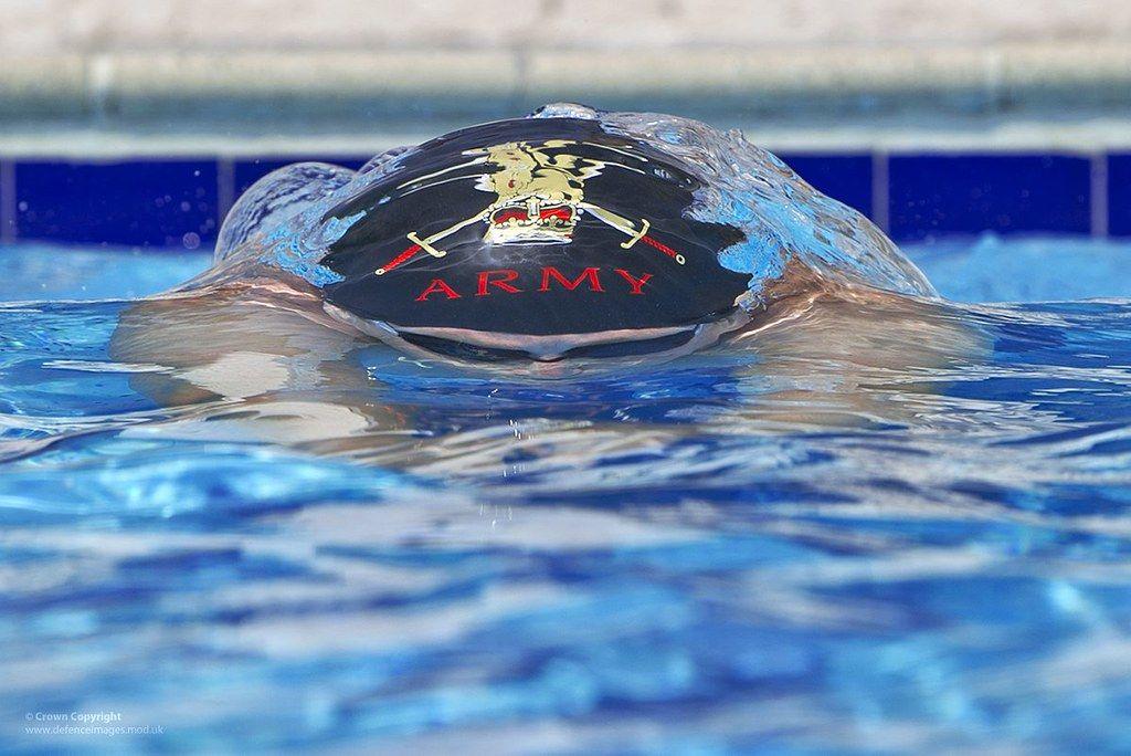 Разработаны очки для слабовидящих пловцов