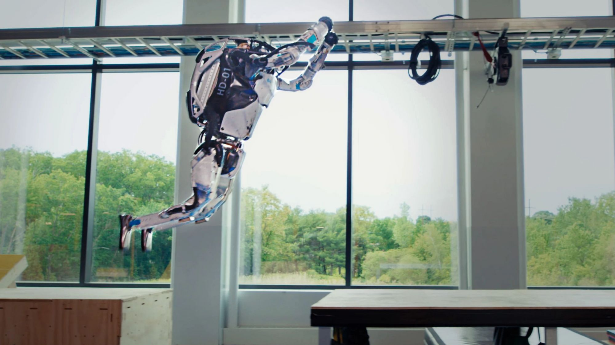 Робот показал успехи впаркуре