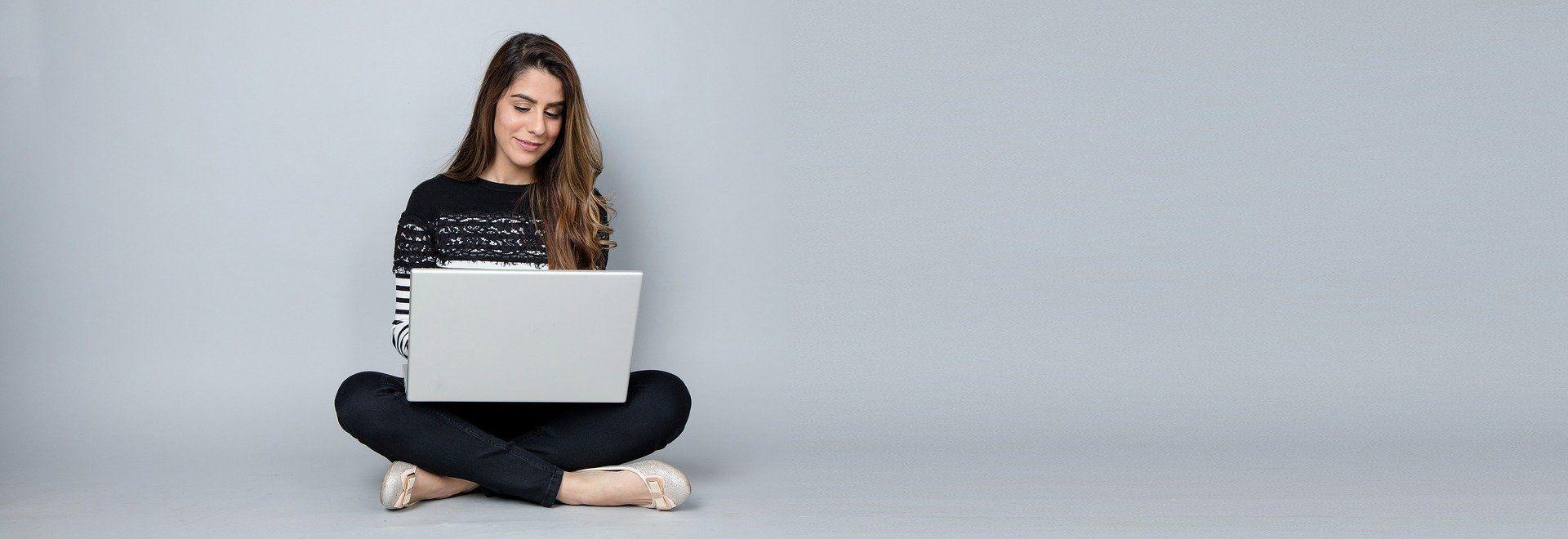 Большинство россиян хотят бросить работу истать блогерами