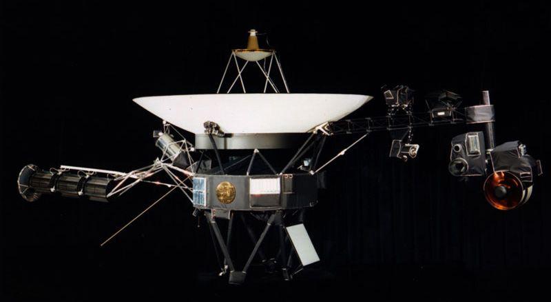 5 сентября 1977 года стартовал американский космический зонд «Вояджер-1»