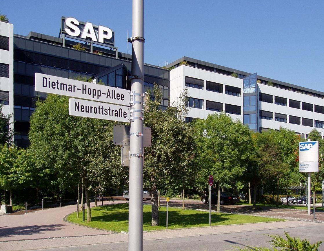 6 сентября 2011 года <i>SAP </i>приобрела компанию <i>Right </i><i>Hemisphere</i>