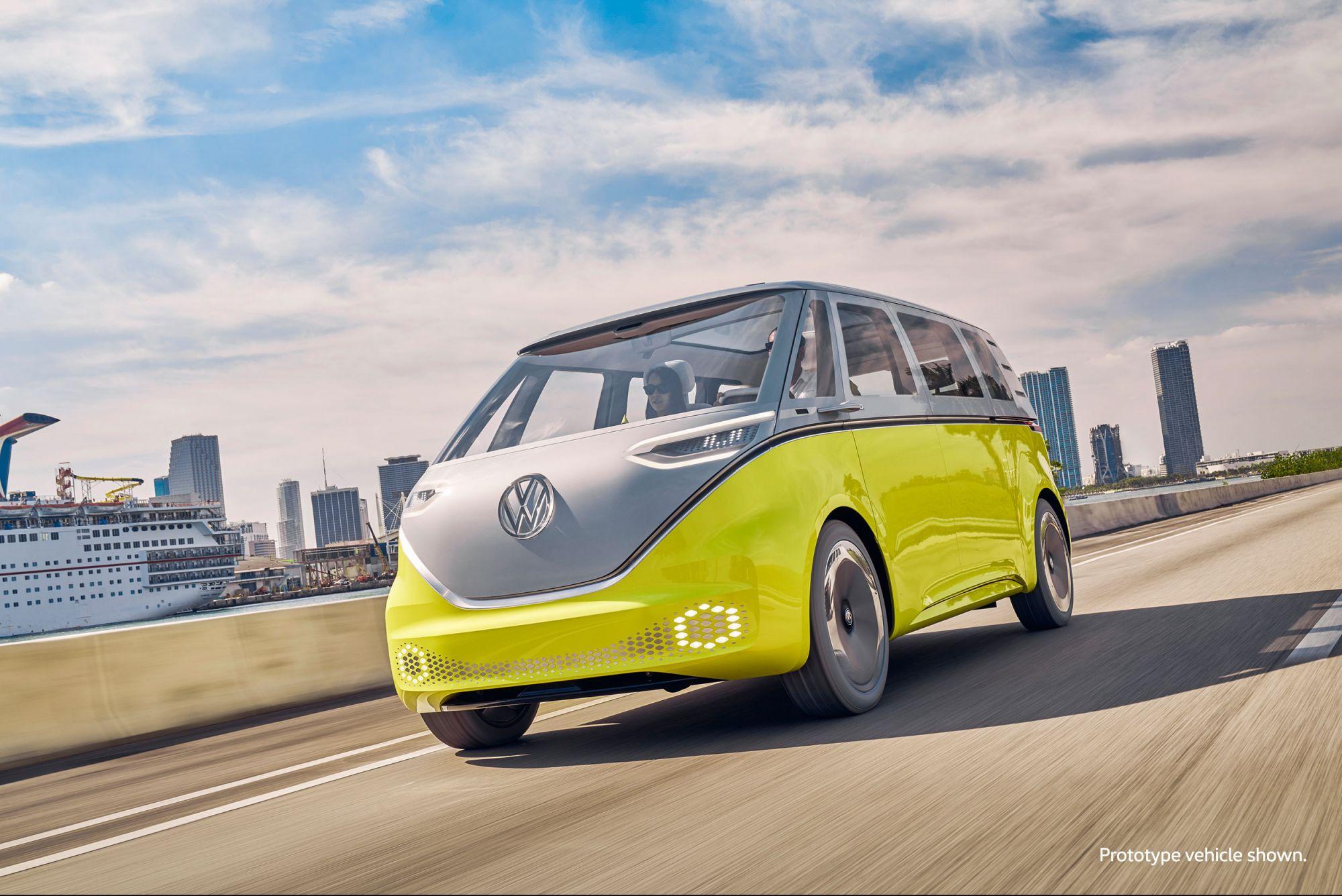 <i>Volkswagen </i>и <i>Argo </i><i>AI </i>показали беспилотный электроминивэн