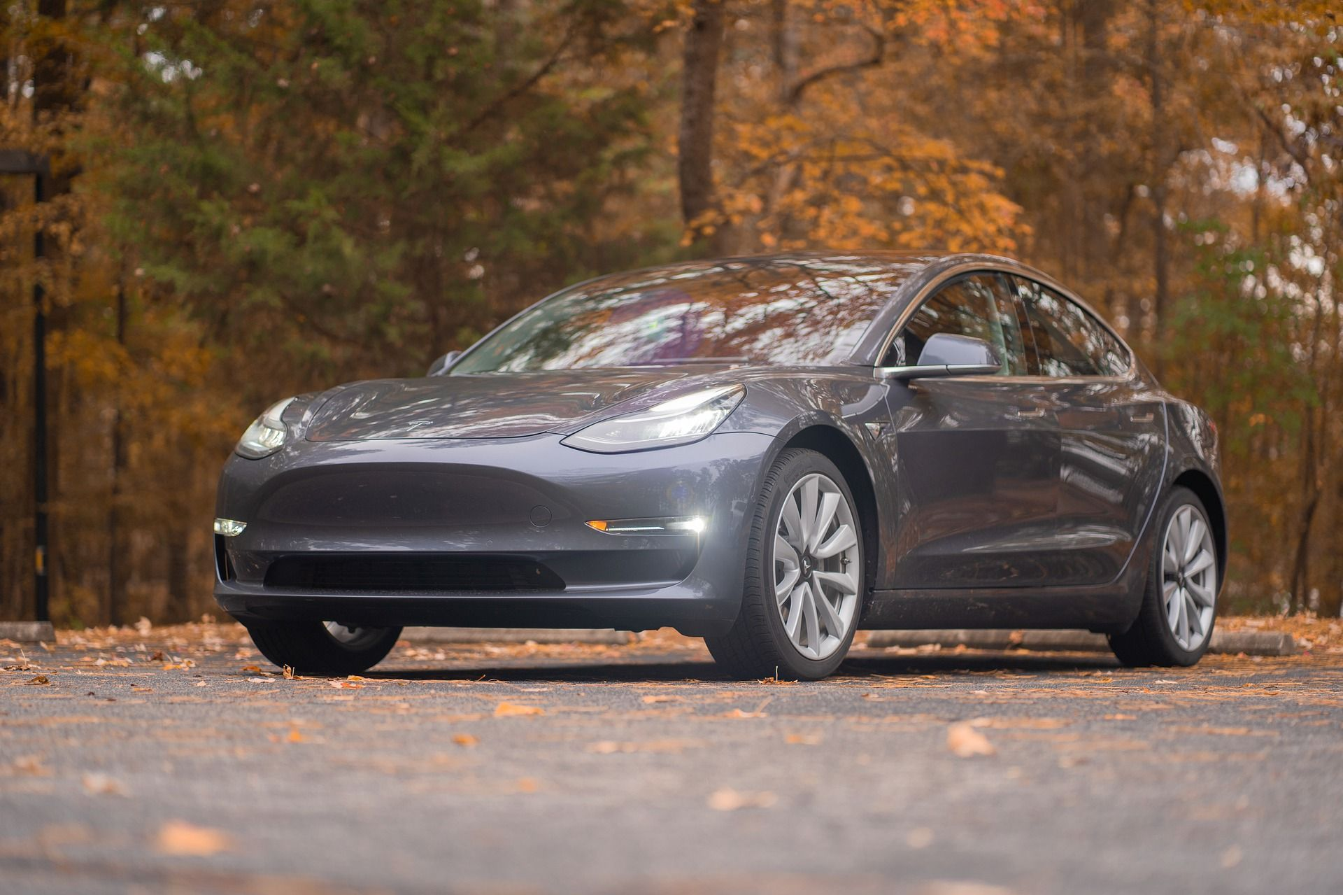 <i>Tesla </i>запатентовала «импульсно-лазерную систему очистки от мусора»