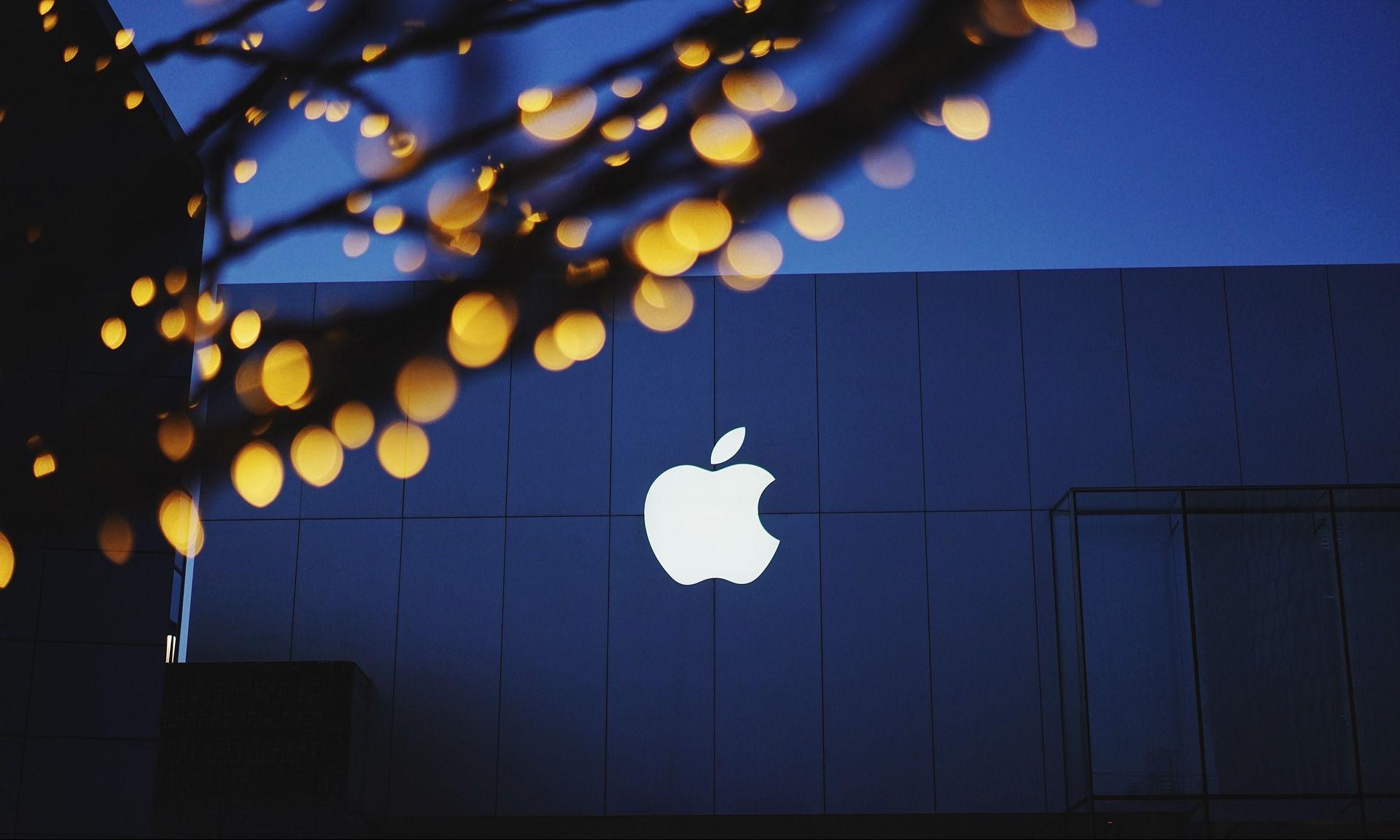 <i>Apple </i>набирает водителей для тестов беспилотных автомобилей
