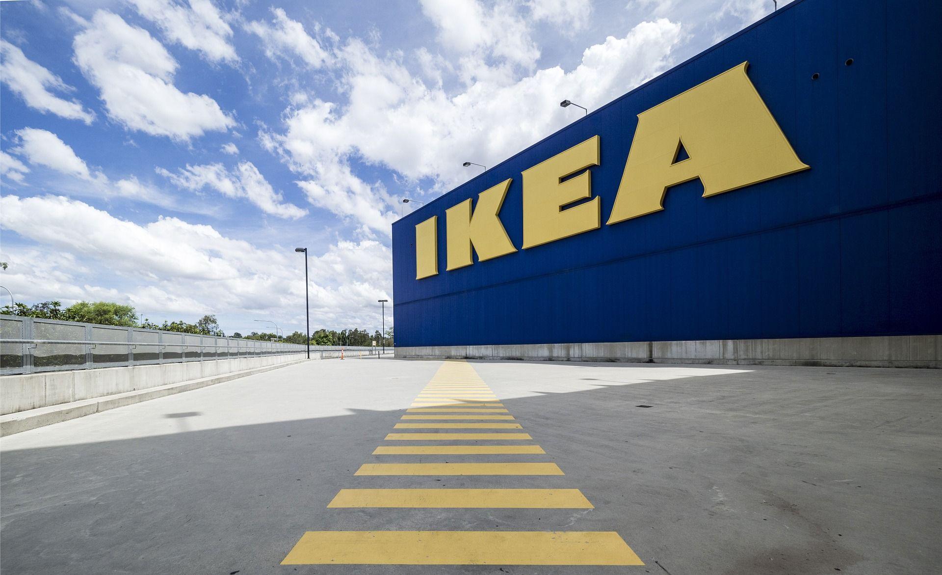 <i>IKEA </i>выпустила беспроводную зарядку для стола
