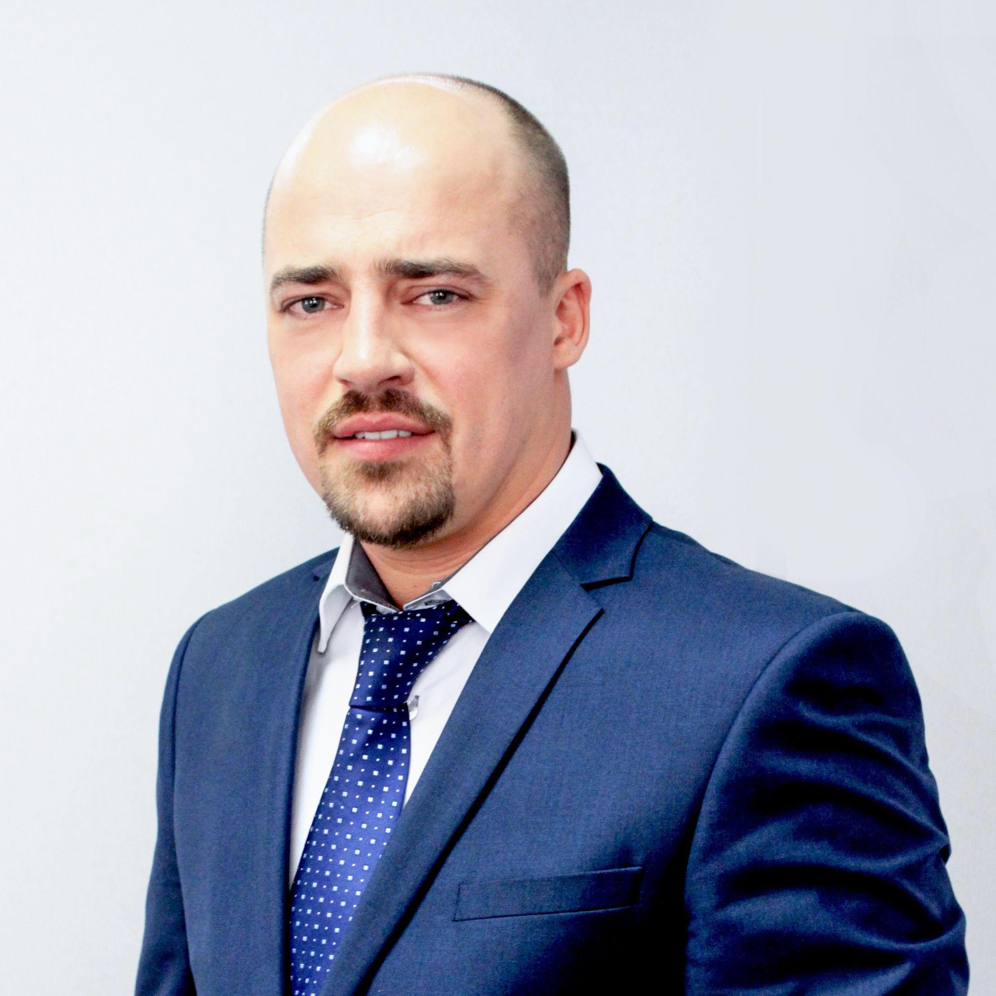 Денис Бучельников